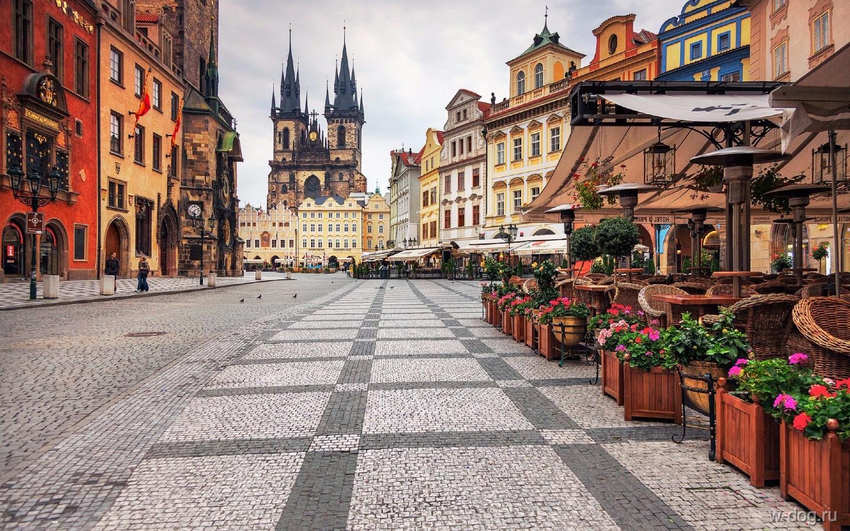 Авиабилеты В Чехию и обратно за 7000 рублей