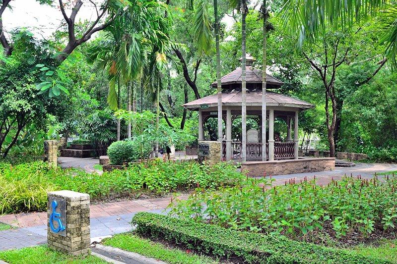 Парк королевы Сирикит в Бангкоке