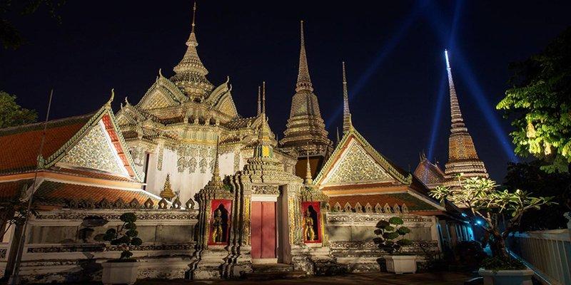 храм Лежащего Будды Ват Пхо в Бангкоке
