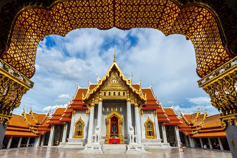 храм Ват Бенчамабопхит в Бангкоке