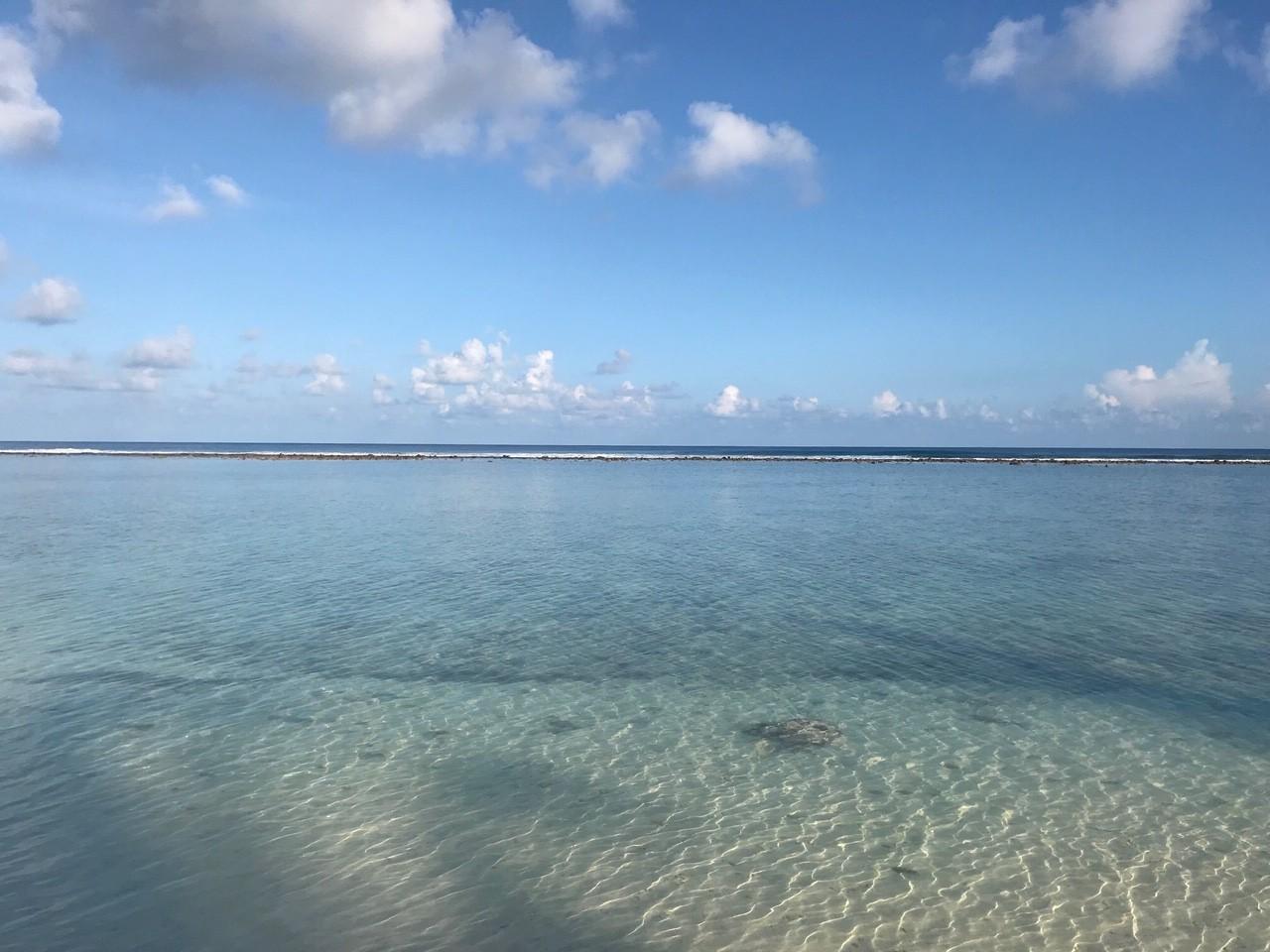 пляж на острове Хулхумале на Мальдивах