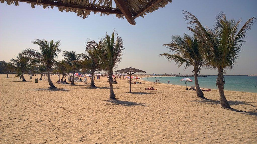 пляж Аль-Мунтазах в Шардже