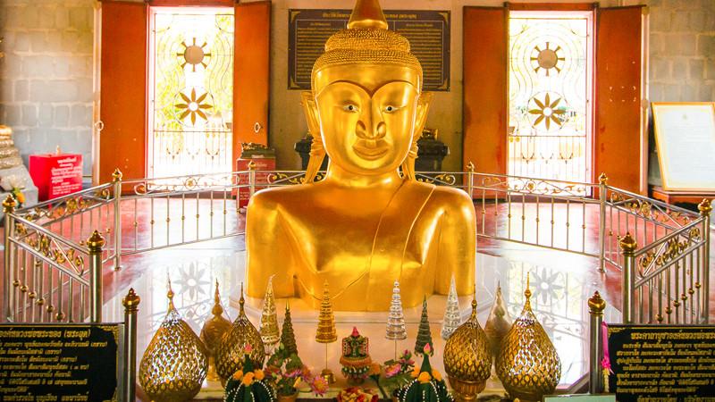 Храм Ват Пратонг на Пхукете
