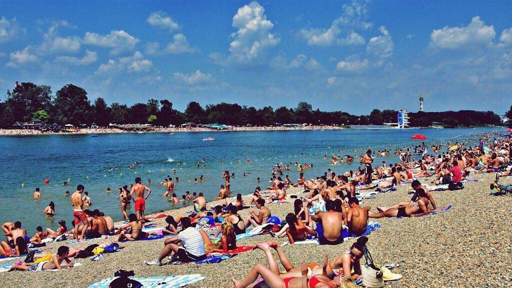 пляж Ada Ciganlija в Белграде