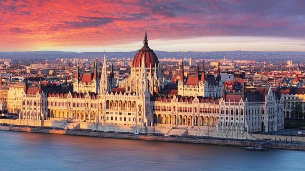 парламент в Будапеште