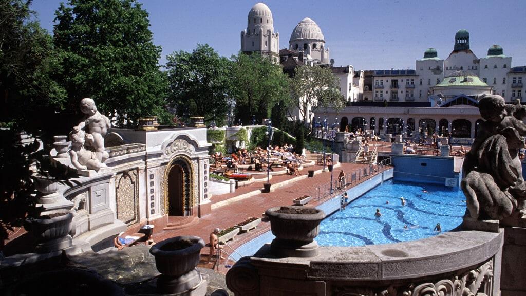 Купальня Геллерт в Будапеште