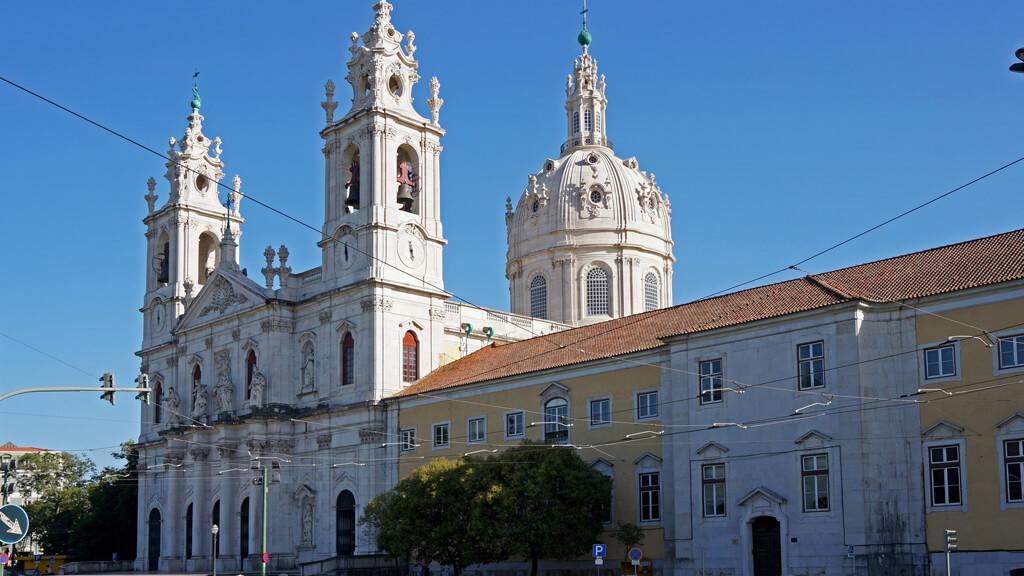 Базилика-да-Эштрела в Лиссабоне