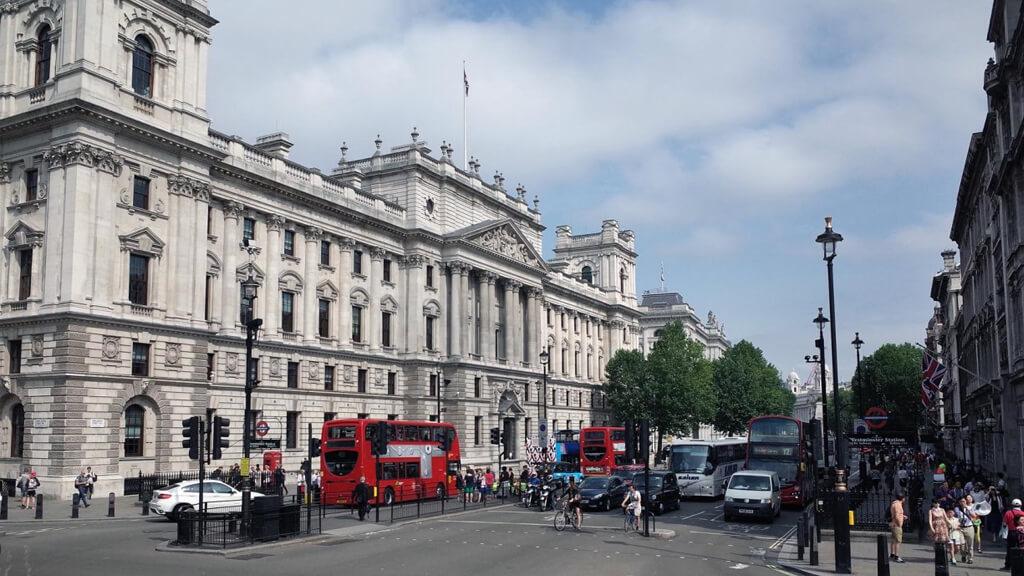 Уайтхолл в Лондоне