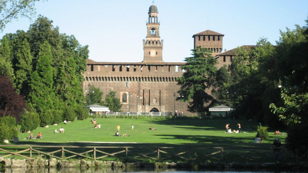 Парк Семпионе в Милане