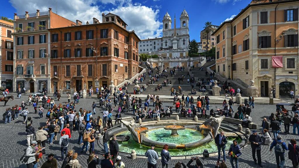 Испанская площадь в Риме