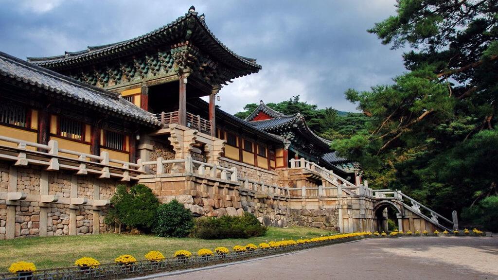 Буддийский монастырь Пульгукса  в Сеуле