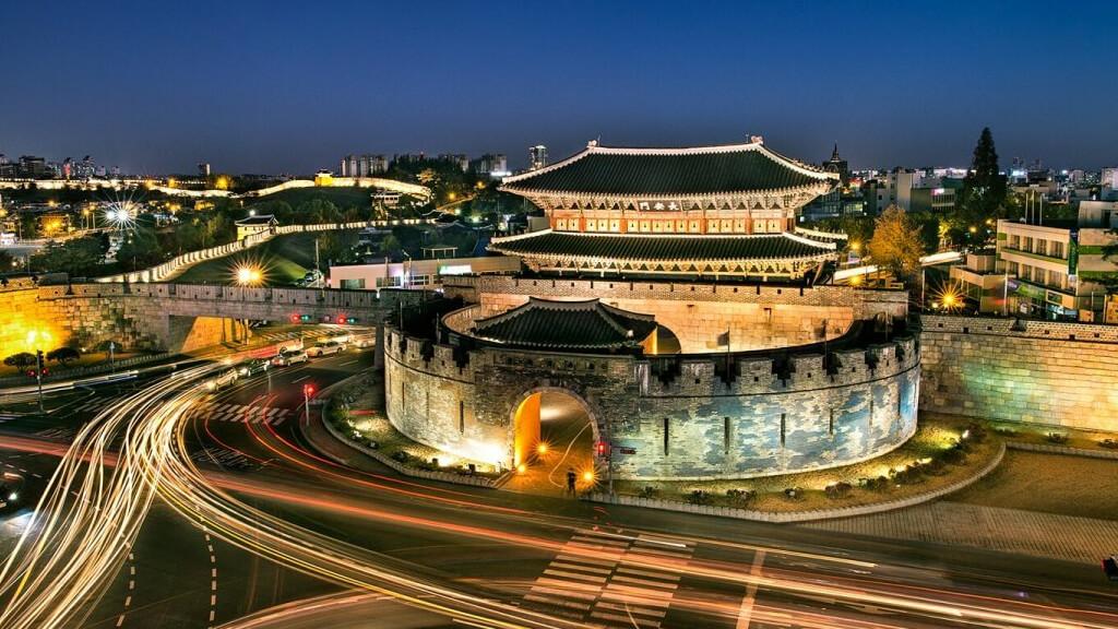 Крепость Хвасон  в Сеуле