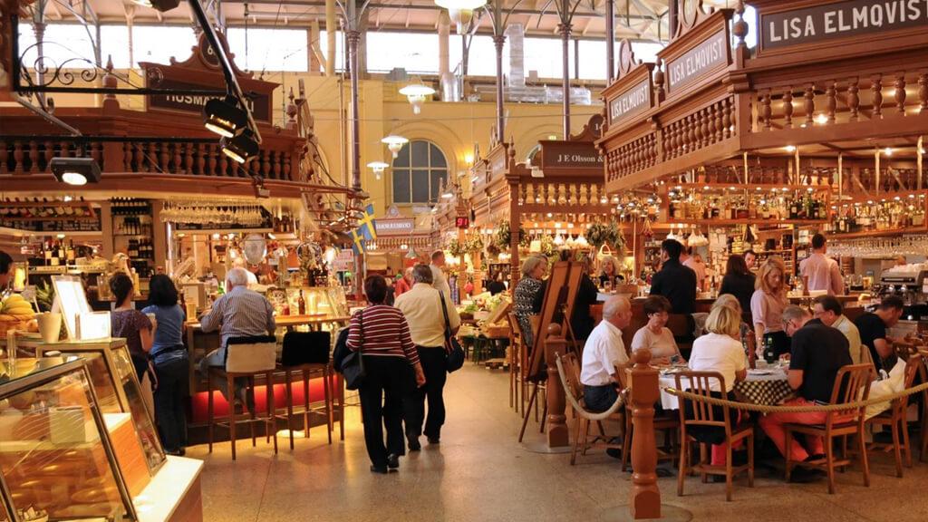 Рынок Huvudsta Loppmarknad в Стокгольме