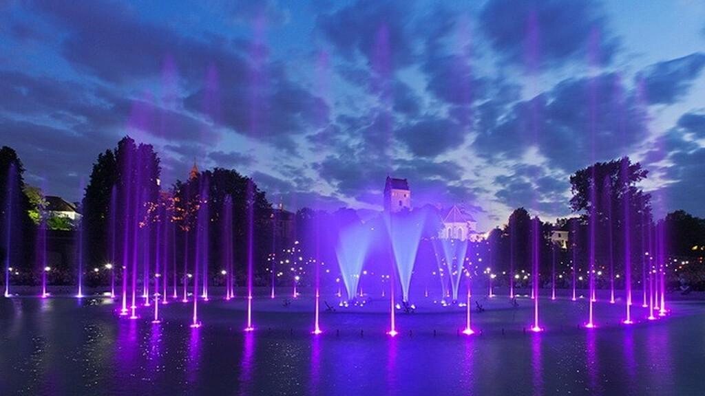 Мультимедийный парк фонтанов в Варшаве