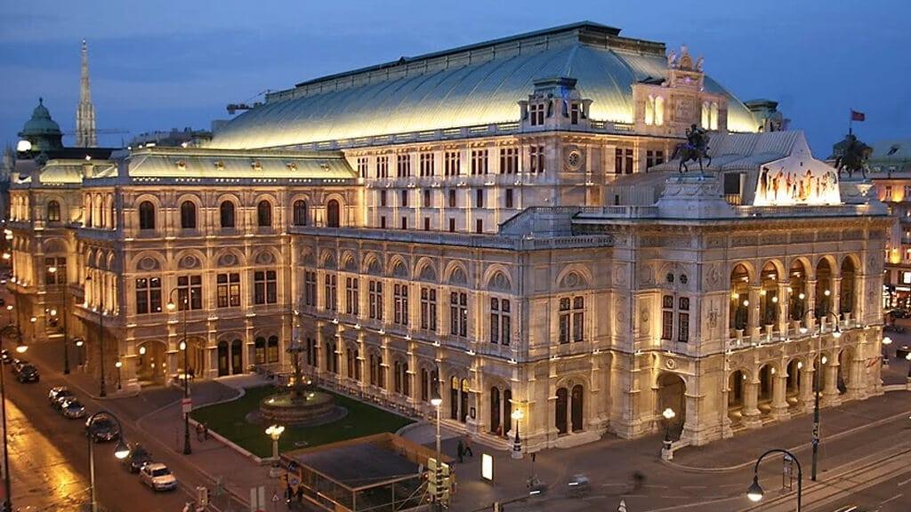 Венская опера в Вене