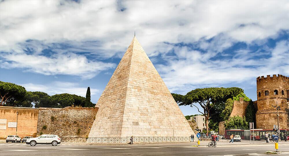 Пирамида Цестия в Риме (Piramide Cestia)