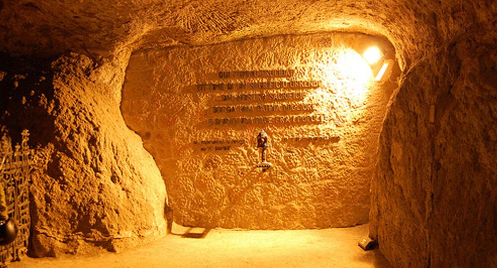 Ардеатические пещеры (Eccidio delle Fosse Ardeatine)