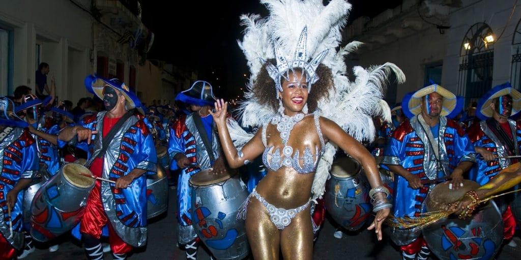 карнавал в Монтевидео без цензуры