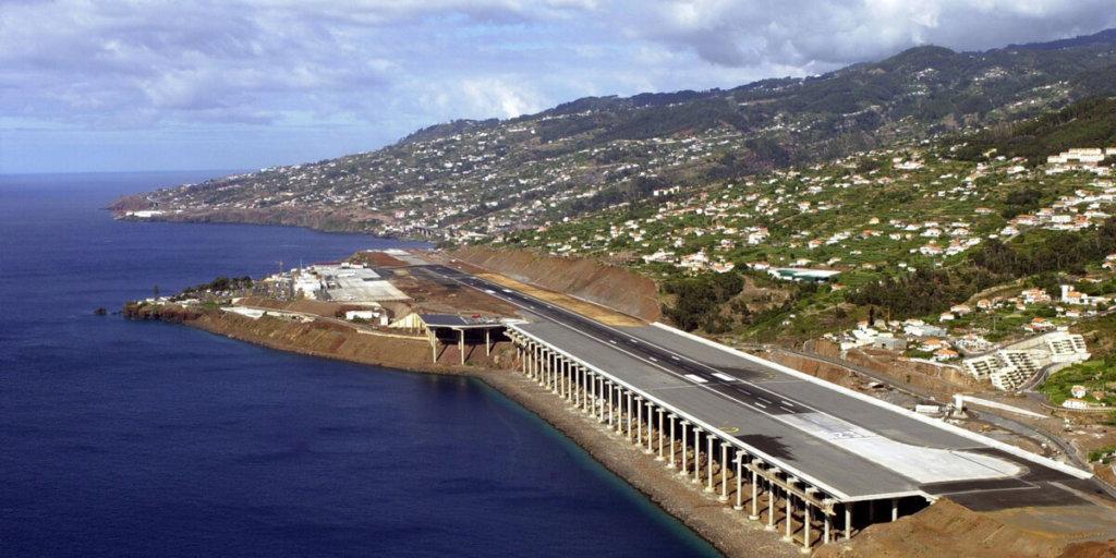 Международный аэропорт Криштиану Роналду (аэропорт Мадейра или Фуншала), Португалия