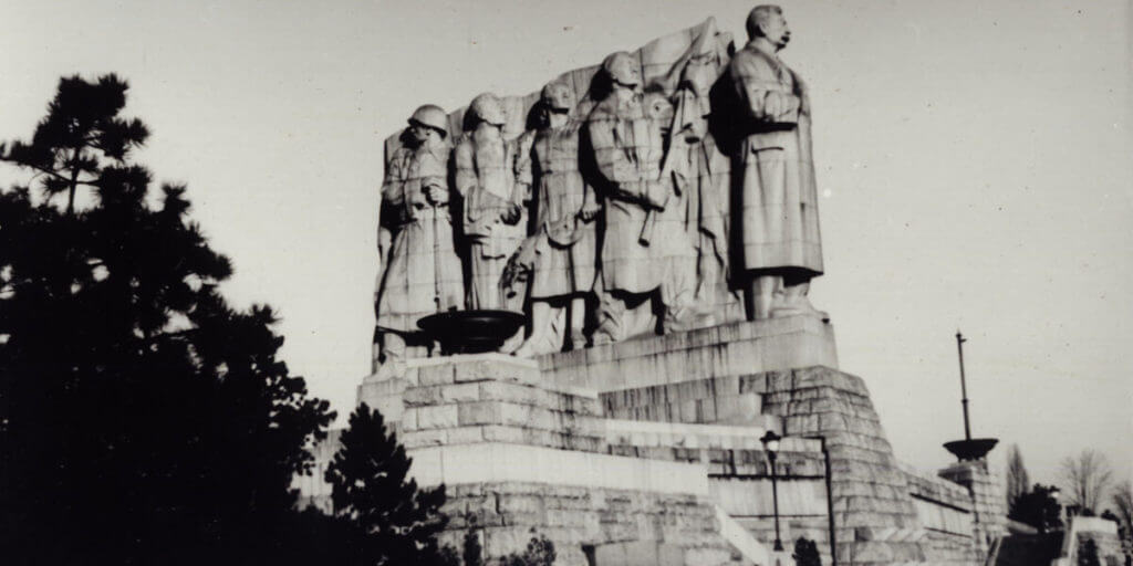 Памятник Сталину в Праге