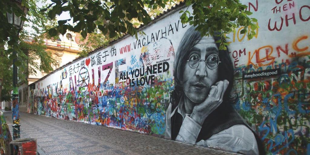 Стена Леннона в Праге