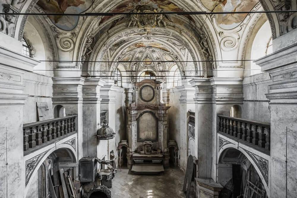Заброшенная церковь, Чехия