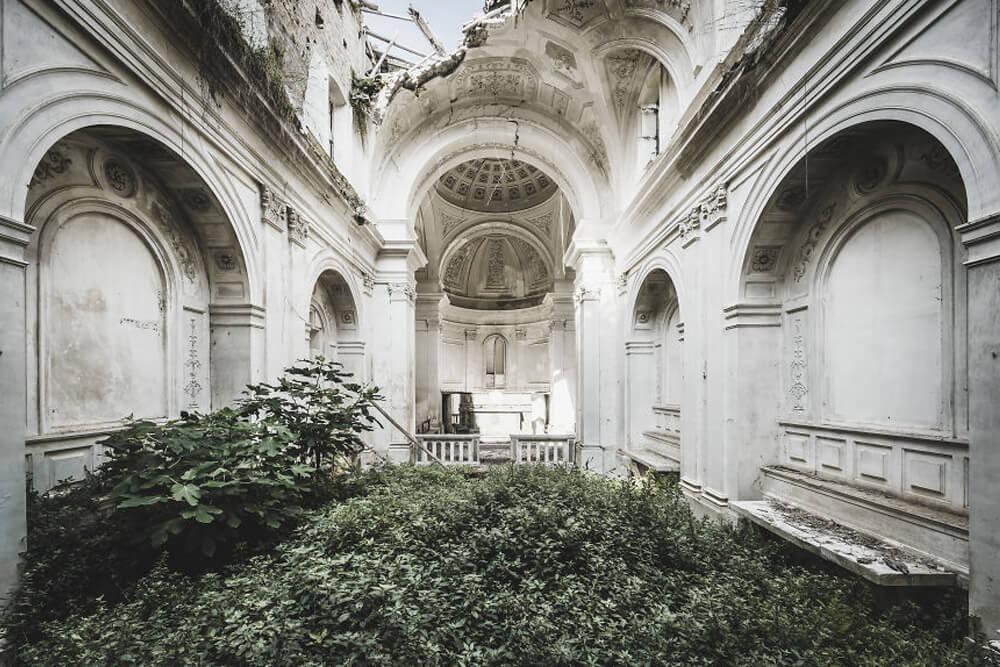 Заброшенная церковь, Италия