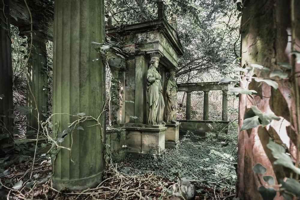 Заброшенная гробница в Германии