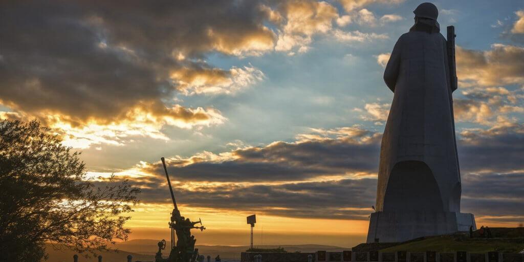 Памятник Защитникам Советского Заполярья в годы Великой Отечественной войны в Мурманске