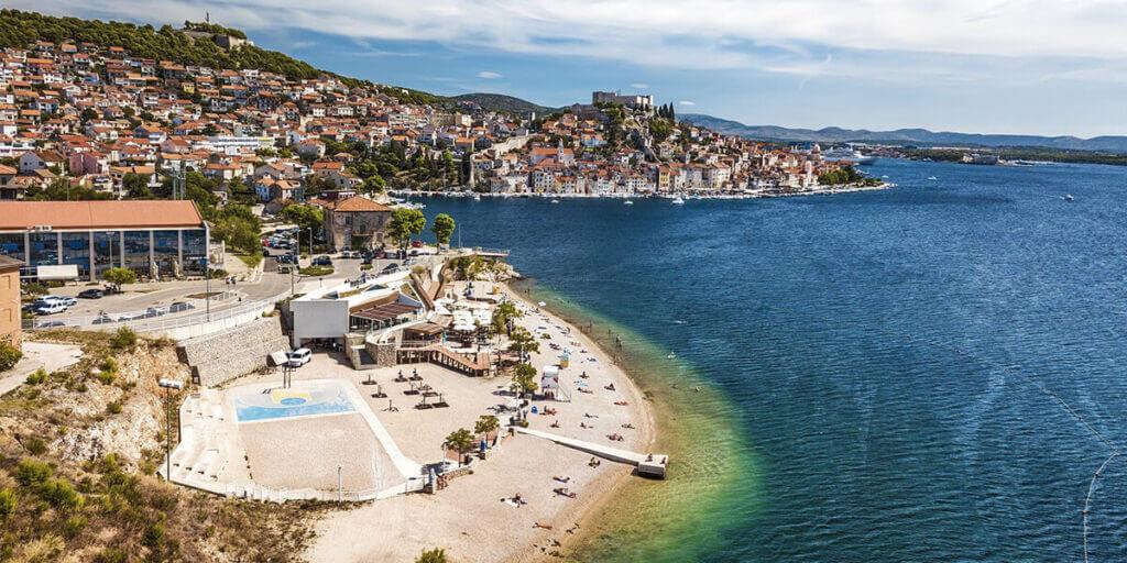 пляж Бань в Хорватии