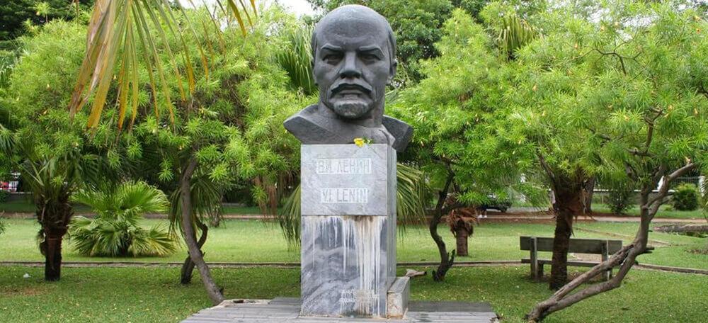 памятник Ленину на острове Маврикий
